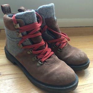 Toms Summit Hiking boots 7.5